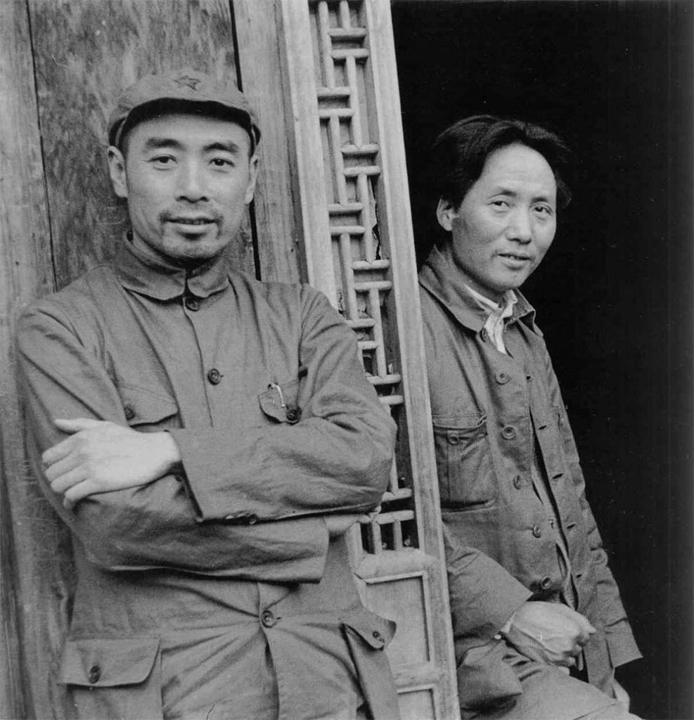 saint mao mao zedong and zhou enlai at yan an in the mid 1930s